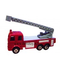 รถเหล็ก รถเครนยืดบันไดได้ ขนาด กว้าง 2.5  ยาว 8 สูง 4 ซ.ม.