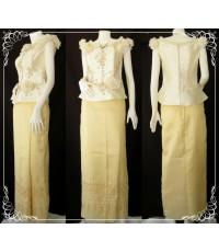 ชุดไทยประยุกต์ เสื้อแขนสั้น กับผ้าถุงสีทอง