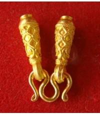 จรวดยาวทองคำ 96.5ไม่ลงยา นน.3.8 g + ตะขอเอ็ม 1.3 g