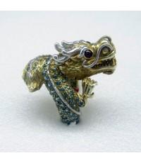 แหวนมังกรทองประดับพลอยเขียวส่อง