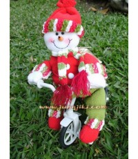ตุ๊กตาหิมะในชุดเซนตาครอสขี่จักรยาน