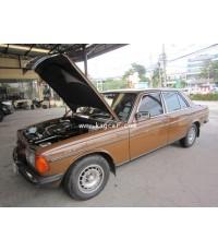 Benz 230E W123 เครื่องยนต์เดิม ติดแก๊สระบบดูด ถังโดนัทขนาด51ลิตร