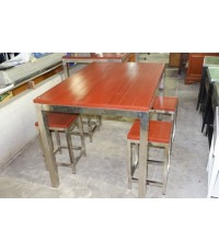 ชุดโต๊ะทานอาหารสแตนเลสท็อปไม้แดง