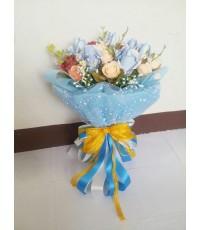 ช่อดอกไม้จากธนบัตรฟ้าสดใส