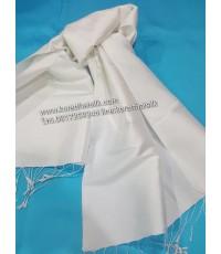 ผ้าพันคอไหมแท้ สีขาว