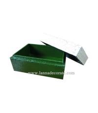 กล่องไม้สำหรับใส่นามบัตร  สีเขียวแต่งลายงา