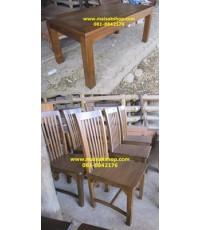 เฟอร์นิเจอร์ไม้สัก(Furniture)  ชุดโต๊ะรับประทานอาหารขาตรง แบบสีโอีคอ่อน