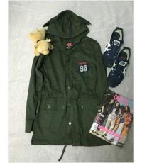 เสื้อคลุมสีเขียวทหาร เสื้อแจ็คเก็ตเท่ๆ แบบมีหมวก ต้อนรับลมหนาว พร้อมส่ง