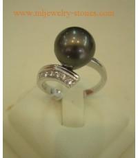 แหวนไข่มุกเซาท์ซีออสเตรเลียสีดำ 9 มิลเกรด AA ลัสเตอร์สวย เพชรน้ำหนักรวม 0.12 กะรัต ตัวเรือนทองคำขาว