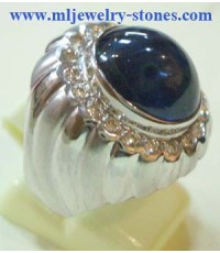 แหวนทองคำขาวไพลินล้อมเพชร