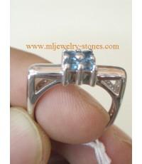 แหวนเงินบลูโทพาส สีฟ้า  แบบทันสมัย ใส่ได้ทุกโอกาส