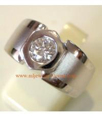 แหวนทองคำขาวฝังเพชร 0.50 กะรัต
