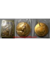 พระเครื่อง เหรียญสมเด็จพระนารายณ์มหาราช ที่ระลึกในพิธีเปิดอนุสาวรีย์  ปี 2514 เนื้อทองแดงกะไหล่ทอง พ