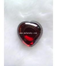 เพชรพญานาคสัณฐานหัวใจสีแดงขอบดำ หรือ แดงพิเศษ