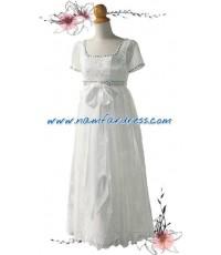 no.00108 ชุดแต่งงาน ผ้าลูกไม้สีออฟไวท์ ปักประดับเพชร