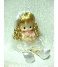 ตุ๊กตา ตุ๊กตาไขลาน เด็กผู้หญิงผมหยิก สวมชุดเจ้าสาวสีขาว น่ารัก