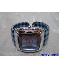 นาฬิกากำไล หน้าปัดสีฟ้า สายเป็นกำไลลายสก๊อตสีฟ้า งานดีมาก น่าใส่ครับ มาใหม่