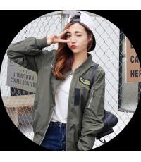 เสื้อคลุม เสื้อแจ๊คเก๊ตผูหญิง MILITARYซิปหน้า มีกระเป๋า ด้านหลังปักลายหัวเสือ สีทหาร เสื้อคลุม 6054