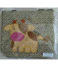 กระเป๋าหิ้วมีซิป ขนาด 9 นิ้ว x 10 นิ้ว ลายวัวน่ารักสีน้ำตาล