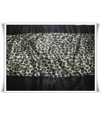 ผ้านวมคลุมเตียงทูโทน ผ้าซาตินแท้ ขนาด 90 นิ้วx100 นิ้ว ลายเสือดาวใหญ่น้ำตาลเข้ม (330) และสีดำ (440)