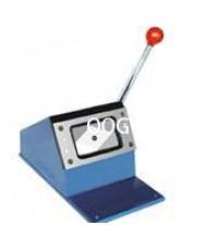 เครื่องตัดบัตรพลาสติกหรือแผ่นแม่เหล็กยาง ขนาด 4.5*7ซม.