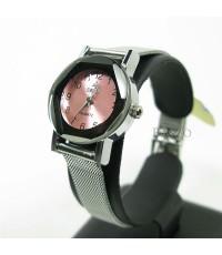 นาฬิกาข้อมือ แบบเข็ม สำหรับผู้หญิง หน้าปัดสีชมพู ตัวเรือนกลม สายเหล็กถักสวยงาม (ww067)