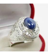 แหวนเงินแท้สำหรับผู้ชาย 925 แหวนพลอยยี่หร่าล้อมเพชร  ตัวเรือนแกะสลักลายไทย พลอยสตาร์ 6(SMRSs003)