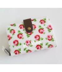 (หมดค่ะ)กระเป๋าสตางค์ Cath Kidston ขนาดกลาง ลาย Button Rose White