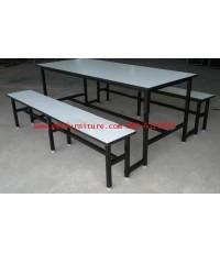 pmy5-7 ชุดโต๊ะโรงอาหาร หน้าโฟเมก้าขาว แบบขาเชื่อมติดกับโต๊ะ ขาเหล็กพ่นสีดำ