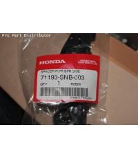 พลาสติกยึดปลายกันชนหน้า ข้างขวา รถยนต์ ฮอนด้า HONDA CRV 2006 อะไหล่แท้ ฮอนด้า(รหัส 71193-SNB-003)