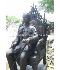 รูปปั้น รูปหล่อรัชกาลที่ 5 ทรงบรรลังค์ (นั่งเก้าอี้) ขนาดเท่าจริง