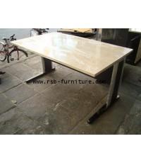 โต๊ะทำงานโล่ง 150 cm ความลึกพิเศษ 90 cm