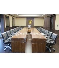 โต๊ะประชุมตัวต่อทรง U ขนาด 615 cm จำนวน 18-24 ที่นั่ง