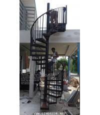 LD–B1277 บันไดวนเหล็กพื้นไม้ระแนง Winder Railing/Staircase with Lath Wood Plate