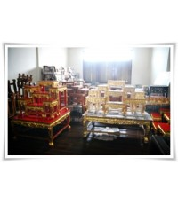 โต๊ะหมู่บูชา สีขาวครีม  สีแดงทอง