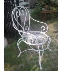 รหัสสั่งซื้อ 1046 : เก้าอี้เหล็กดัดหลังลายหัวใจแขนโค้ง