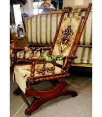 เก้าอี้ไม้โยก งานเก่ายุโรป สภาพสวยสมบูรณ์ พร้อมใช้งาน