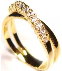 แหวนทอง ก้านไขว้ด้านหน้าฝังเพชร CZ HEART AND ARROW CUT