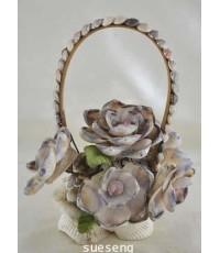 กระเช้าดอกไม้เปลือกหอย