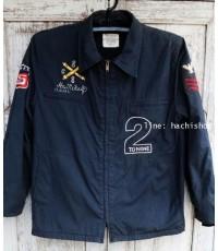 Jacket มือสอง แจ๊คเก็ตสไตล์ marine jacket สีน้ำเงินเข้ม มีลายปัก และอาร์ม ทรงตรง ไม่หนามากค่ะ