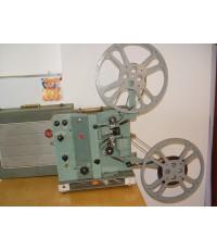 เครื่องฉายหนัง 16 mm.RCA 415 Made in U.S.A. ใช้งานได้ปกติ ปรีและขยายเสียงเป็นหลอดเสียงดีมาก