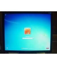 จอคอม LCD SAMSUNG 940N 19นิ้ว สภาพใหม่เก่าเก็บ