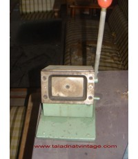 เครื่องตัดนามบัตรรุ่นโบราณ แบบมือโยก ที่ตัดนามบัตร แท่นตัดนามบัตร