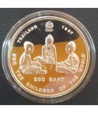 เหรียญเด็กเล่นหมากเก็บที่ระลึก 50ปีองค์การทุนเพื่อเด็กแห่งสหประชาชาติ เงินขัดเงา92.5 สภาพสวยพร้อมเซอ