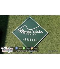 Monte Vista Chalet : ป้ายพลาสวู้ด ตัวอักษรนูน