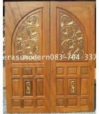ประตูไม้สักทองโค้งองุ่น