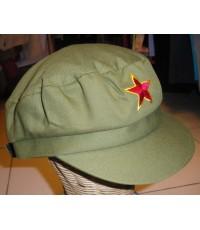 หมวกดาวแดงสีเขียวทหาร