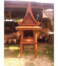 ศาลเจ้าทีไม้ทรงไทย 2
