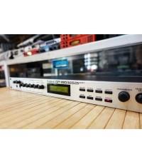 Roland GP-100 Guitar Preamp  Multi Effects Processor