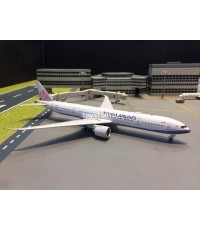 Aviation 1:400 China Airlines 777-300ER B-18051 AV4040